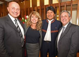 From left: Rainer Bomba, State Secretary of German Federal Ministry of Transport and Digital Infrastructure, Lufthansa Consulting Partner Liége Emmerz with Bolivia's President Evo Morales and Jose Newton Barboza from Brazilian Ministry of Transport